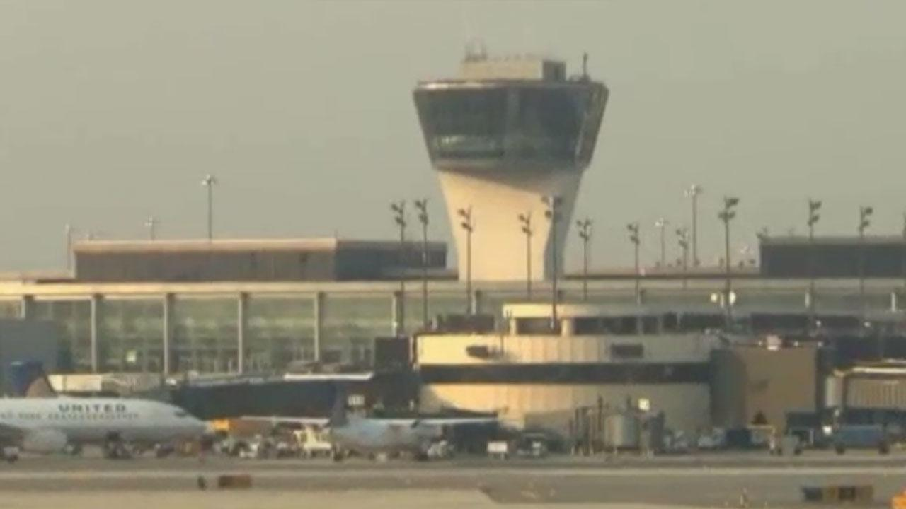 Man in drag breaches security at Newark airport