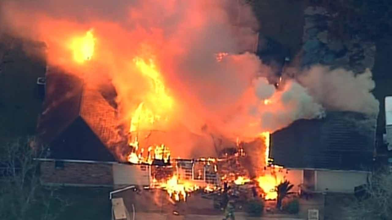 Massive fire destroys home in Brazoria County
