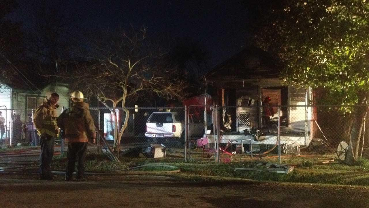 A northeast Houston early morning fire claimed the life of an 80-year-old woman <span class=meta>(ABC13&#47;Pooja Lodhia)</span>