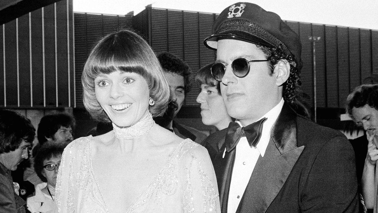 Daryl Dragon and wife Toni Tennille, who sing as the Captain and Tennille