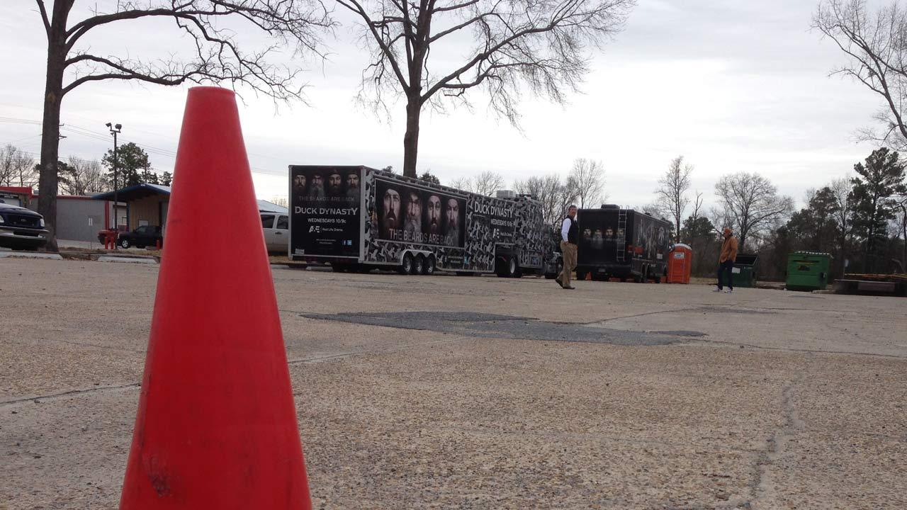 Fans come to the world headquarters of Duck and Buck Commander in Monroe, Louisiana to check out the merchandise and hopefully chat with the reality stars. <span class=meta>(ABC13&#47;Deborah Wrigley)</span>