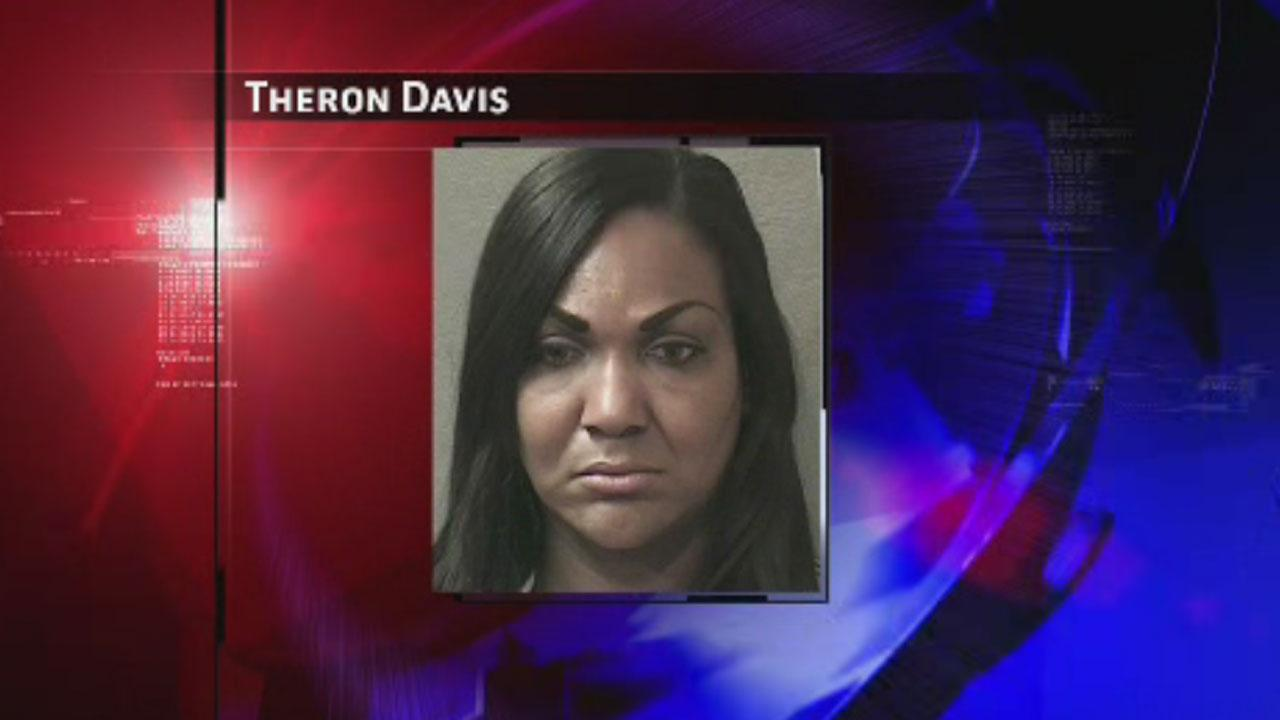 Police: Alleged shoplifter stole thousands of dollars worth of clothes from Saks Fifth Avenue