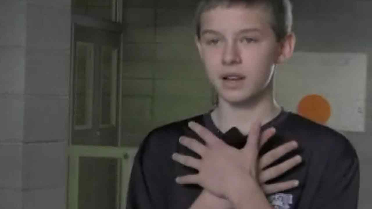 Eighth grader uses Heimlich maneuver to save choking classmate