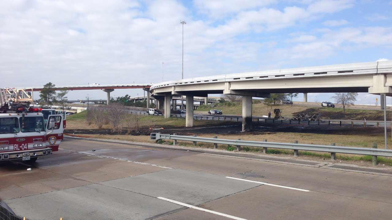 Fiery big rig accident <span class=meta>(ABC13&#47;Matt Black)</span>