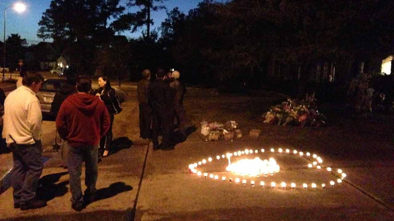 Family and neighbors held a vigil outside the Suns familyABC13/Simon Gutierrez