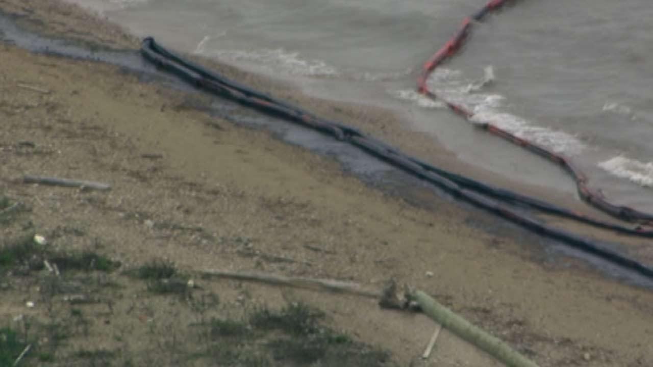 The Houston Ship Channel remains closed  as crews continue to clear up an oil spill near the Texas City Dike.