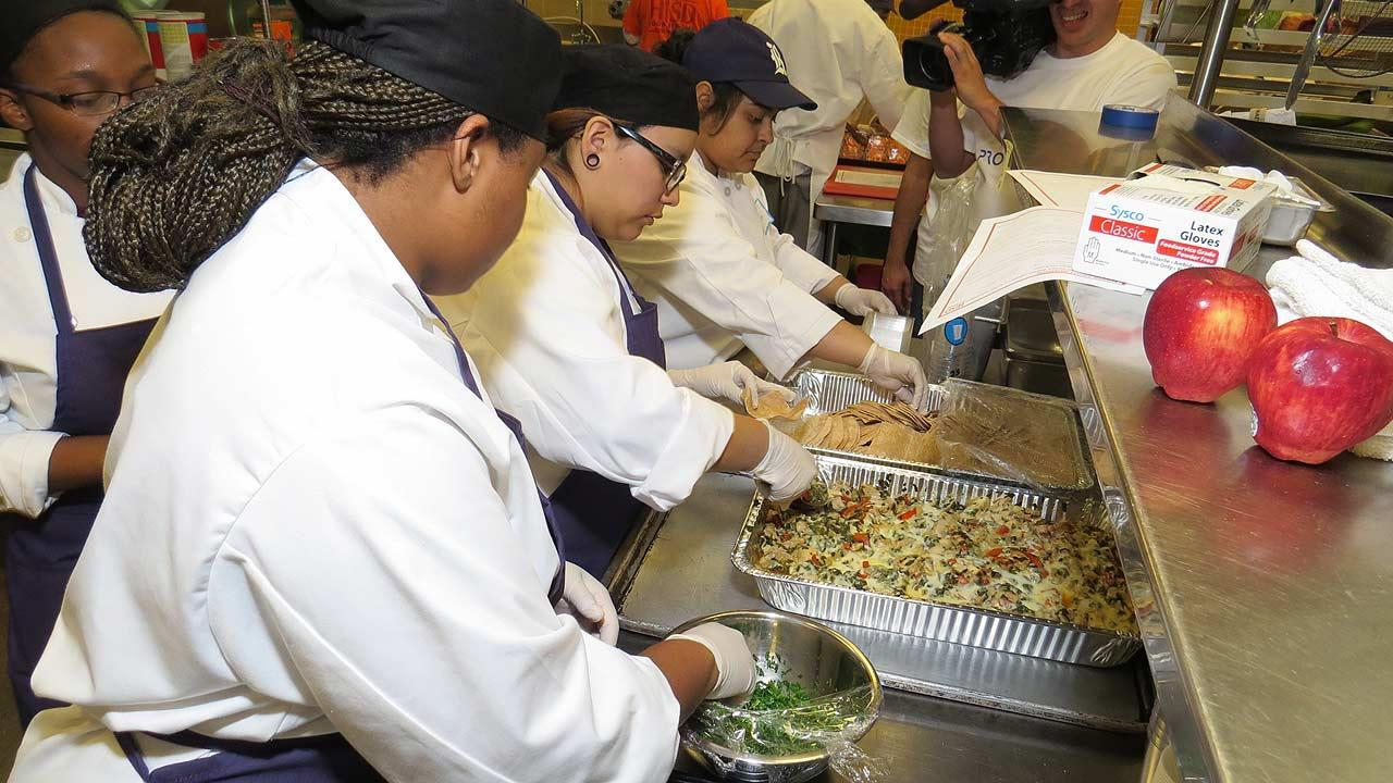 High school culinary students compete in Cooking Up Change challenge