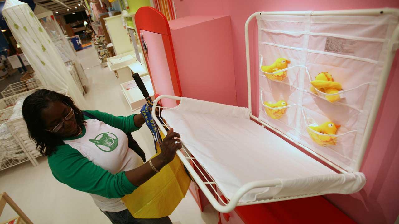 Glasvitrine Zum Hängen Ikea ~ California bills require infant changing tables in men's restrooms