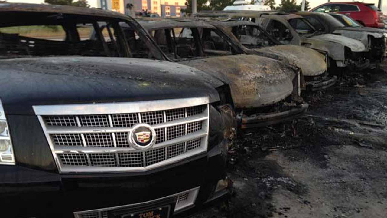 Houston Nissan Dealerships >> Fire rips through car dealership in north Houston | abc13.com