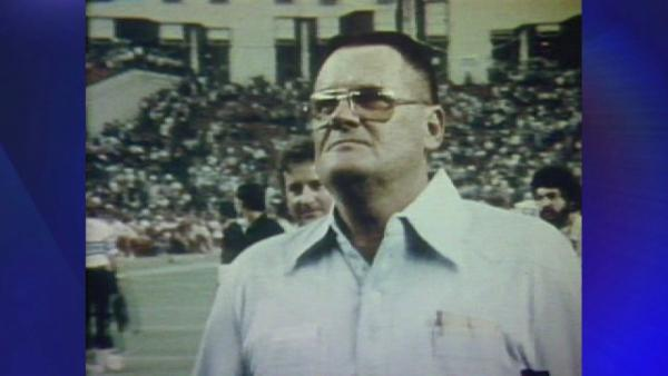 Bum Phillips memorial held in Goliad