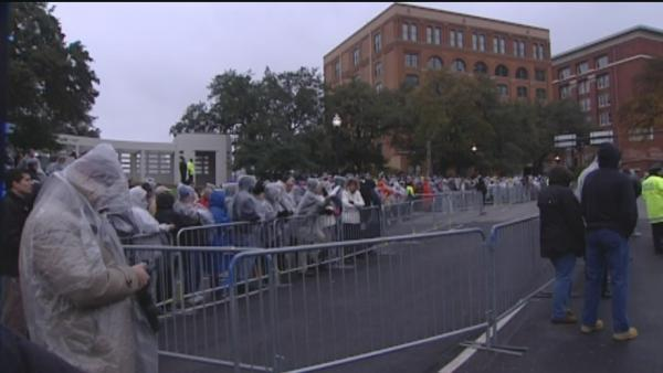 Thousands fill Dealey Plaza to honor JFK