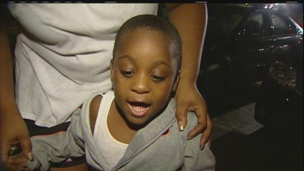 Pint-sized hero gets family out of burning apartment