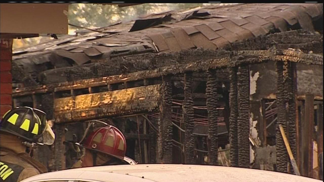 Three injured in Sharpstown area fire