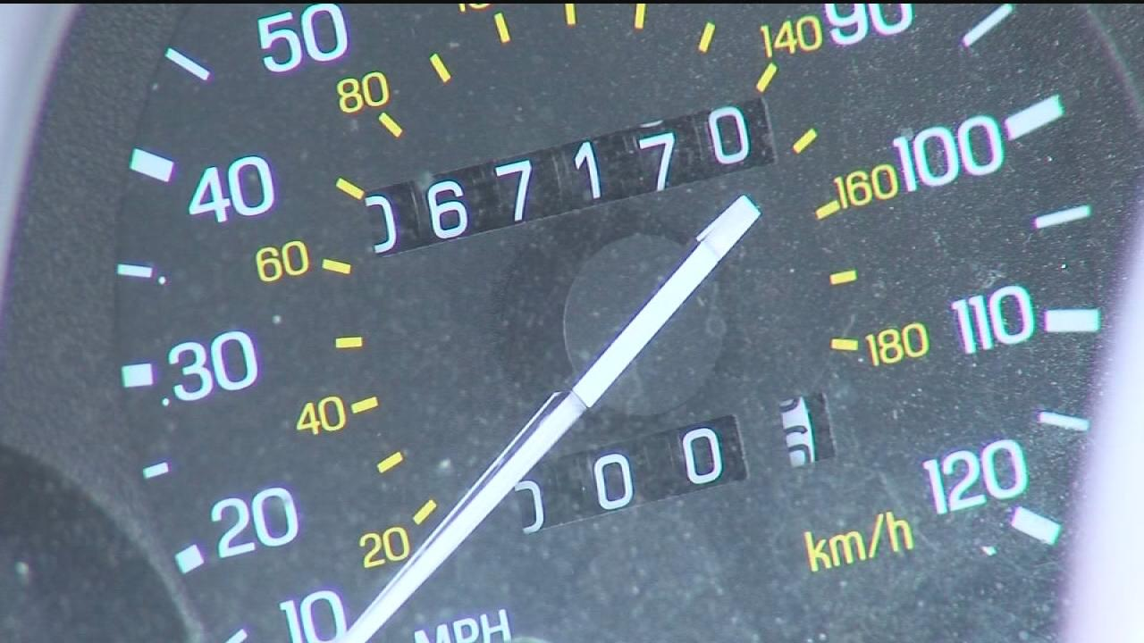 how to tell if your odometer has been rolled back