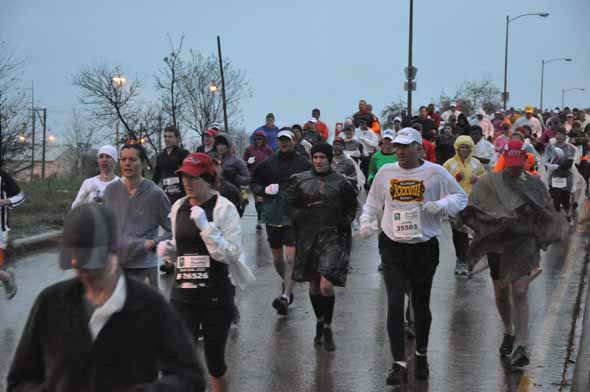 "<div class=""meta ""><span class=""caption-text "">Tens of thousands of runners braved the rain and cold temperatures on the Elysian Viaduct for the Chevron Houston Marathon and Aramco Houston Half Marathon on Sunday, January 13, 2013. (KTRK Photo)</span></div>"