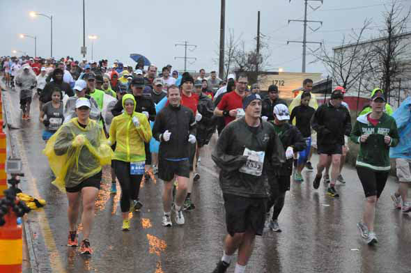 "<div class=""meta image-caption""><div class=""origin-logo origin-image ""><span></span></div><span class=""caption-text"">Tens of thousands of runners braved the rain and cold temperatures on the Elysian Viaduct for the Chevron Houston Marathon and Aramco Houston Half Marathon on Sunday, January 13, 2013. (KTRK Photo)</span></div>"