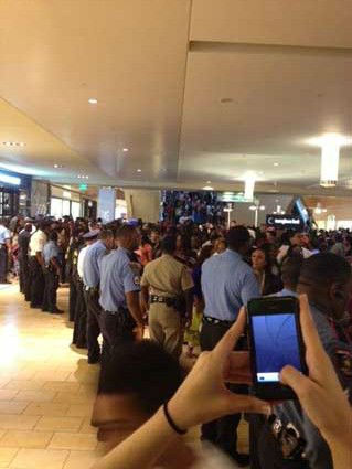 "<div class=""meta image-caption""><div class=""origin-logo origin-image ""><span></span></div><span class=""caption-text"">An iWitness user documents the massive crowds at the Houston Galleria. The overcrowding prompted officials to close down the mall early as a precaution  on Saturday.  If you were there, send your pictures or videos to news@abc13.com. (Photo/iWitness reports)</span></div>"