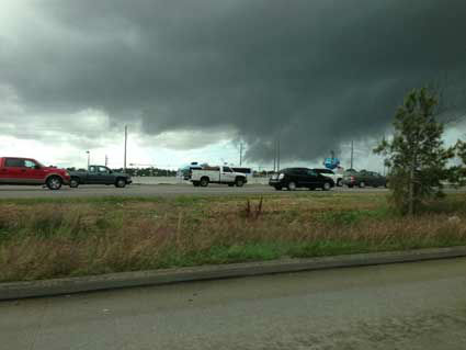 Images of the severe weather around the Houston area on Monday, February 18, 2013. You can email your photos&#47;videos to news@abc13.com.  <span class=meta>(iWitness reports)</span>