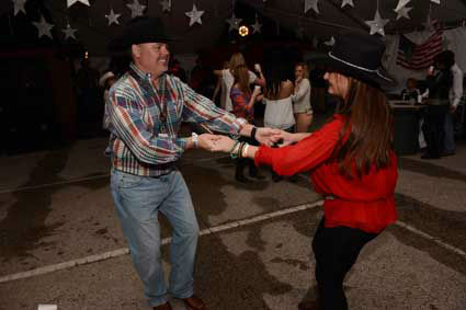 The World&#39;s Championship Bar-B-Que Contest is three days of cooking, competition, eating and dancing to kick off the Houston Livestock Show and Rodeo. <span class=meta>(John Mizwa&#47;KTRK)</span>