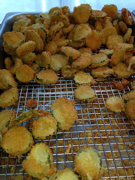 Fried pickle chips: 25 chips = around 150 calories <span class=meta>(KTRK Photo)</span>