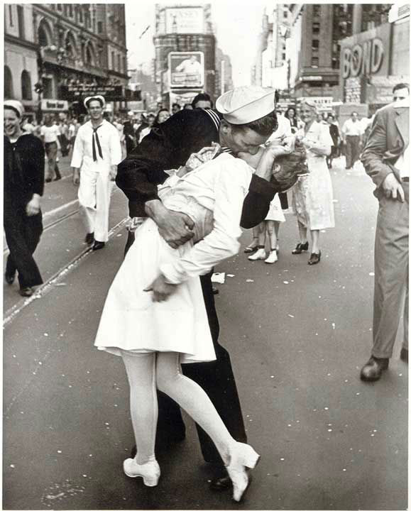 These photos are of Glenn McDuffie, the sailor in that iconic Times Square photo, kissing a nurse after learning WWII was over. <span class=meta>(Photo&#47;McDuffie family)</span>