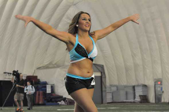 More than 1,000 hopefuls showed off their stuff in the first round of the 2013 Houston Texans Cheerleader tryouts on Saturday night. <span class=meta>(KTRK Photo)</span>