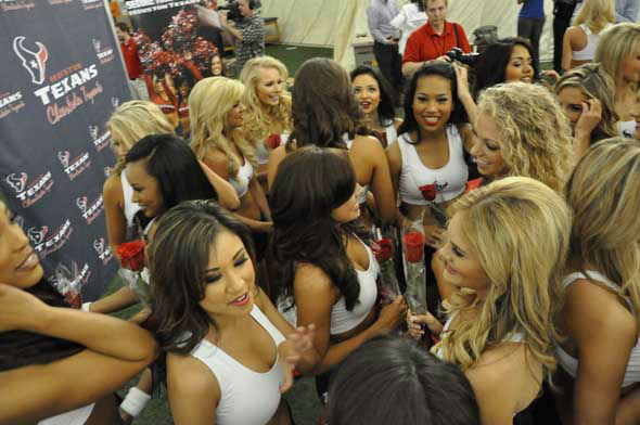 "<div class=""meta ""><span class=""caption-text "">The final 2013 Houston Texans Cheerleaders squad was announced Wednesday night at Reliant and included a special guest, former President George H.W. Bush. (KTRK Photo)</span></div>"