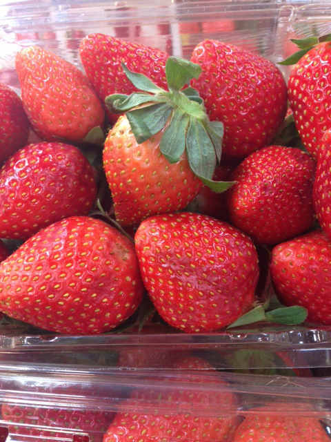 "<div class=""meta ""><span class=""caption-text "">EAT: Strawberries (KTRK Photo)</span></div>"