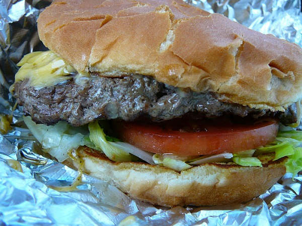 "<div class=""meta ""><span class=""caption-text "">Bellaire Broiler Burger (Bellaire) Flipping burgers since the 1970s, Bellaire Broiler Burger is the perfect spot for an old fashion, no-frills burger -- complete with crinkle cut fries.  (KTRK Photo/ Yelp)</span></div>"