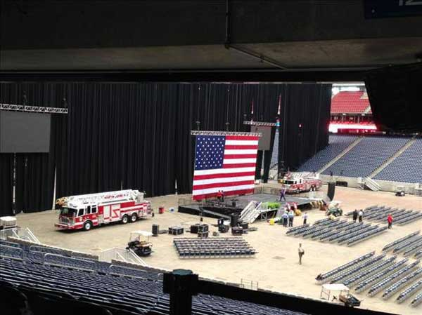 Inside Reliant Stadium, setting up for Wednesday&#39;s firefighter memorial service <span class=meta>(iWitness reports)</span>