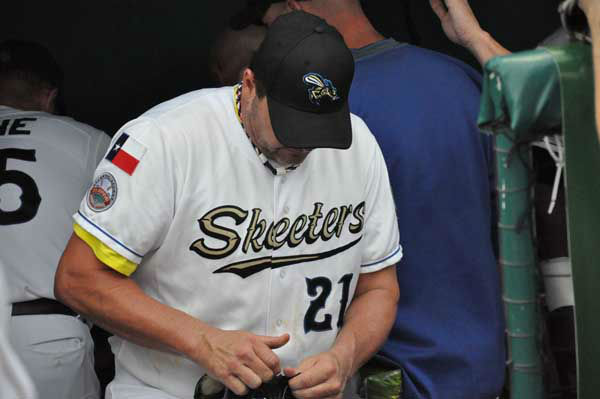 "<div class=""meta ""><span class=""caption-text "">Seven-time Cy Young Award winner Roger Clemens debuted with the Sugar Land Skeeters of the independent Atlantic League on Saturday night, much to the delight of thousands of Skeeters fans. (KTRK Photo)</span></div>"