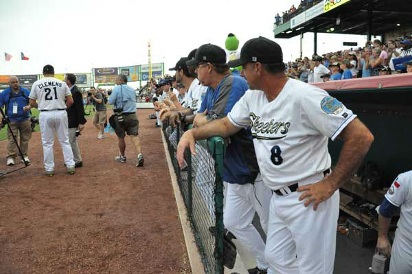 Seven-time Cy Young Award winner Roger Clemens debuted with the Sugar Land Skeeters of the independent Atlantic League on Saturday night, much to the delight of thousands of Skeeters fans. <span class=meta>(KTRK Photo)</span>