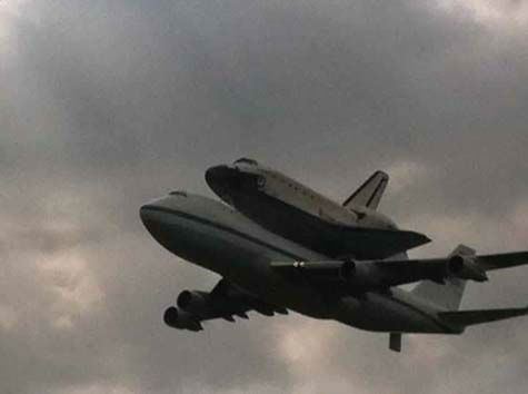 Shuttle Endeavour arrived in Houston Wednesday and these are some of the photos you&#39;ve been snapping and sending to us.  See more here.  If you have photos or videos, email them to us at news@abc13.com. <span class=meta>(Photo&#47;iWitness reports)</span>