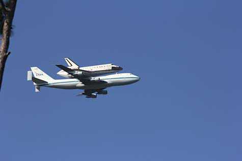 "<div class=""meta ""><span class=""caption-text "">Shuttle Endeavour arrived in Houston Wednesday and these are some of the photos you've been snapping and sending to us.  See more here.  If you have photos or videos, email them to us at news@abc13.com. (Photo/iWitness reports)</span></div>"