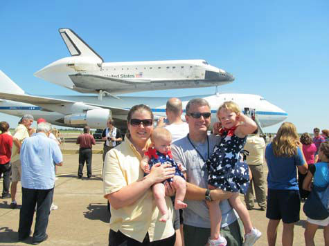 "<div class=""meta image-caption""><div class=""origin-logo origin-image ""><span></span></div><span class=""caption-text"">Shuttle Endeavour arrived in Houston Wednesday and these are some of the photos you've been snapping and sending to us.  See more here.  If you have photos or videos, email them to us at news@abc13.com. (Photo/iWitness reports)</span></div>"
