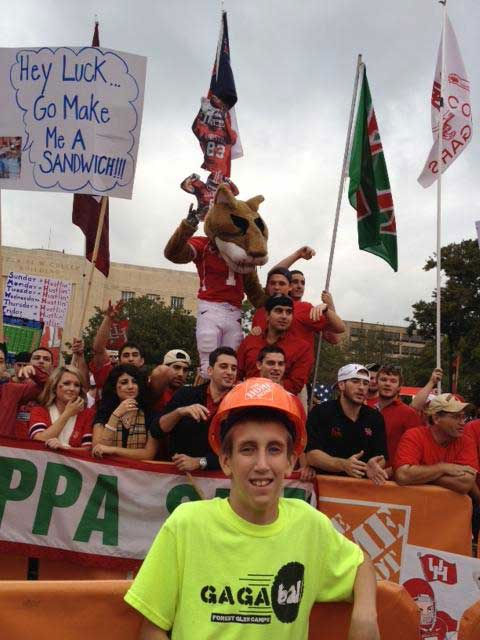 "<div class=""meta ""><span class=""caption-text "">These are photos sent in from our viewers during ESPN's visit to the UH campus for College GameDay!  If you were there, send your pics to news@abc13.com or upload them at iWitness.abc13.com</span></div>"