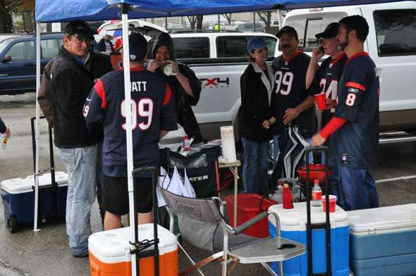 Images of Texans fans, players and cheerleaders before Sunday&#39;s game vs. the Colts at Reliant Stadium. <span class=meta>(KTRK Photo)</span>
