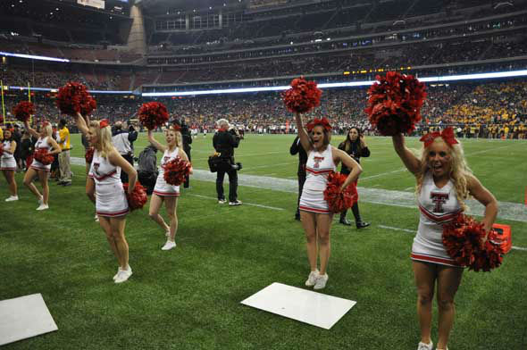 "<div class=""meta image-caption""><div class=""origin-logo origin-image ""><span></span></div><span class=""caption-text"">Players, fans, cheerleaders and band members from Texas Tech and the University of Minnesota descended on Reliant Stadium for the Meineke Car Care Bowl of Texas on Friday, December 28, 2012. (KTRK Photo)</span></div>"