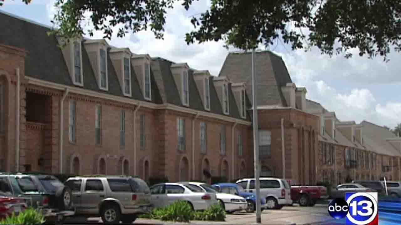 Meyerland apartment complex institutes strict new curfew policy