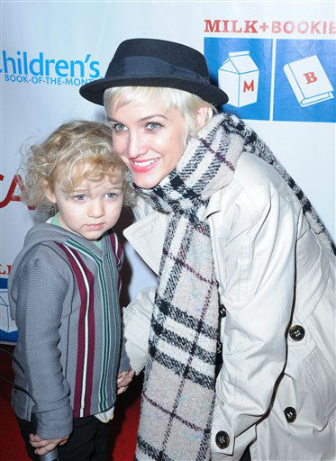 "<div class=""meta ""><span class=""caption-text "">Ashlee Simpson, at right, and her son, Bronx Mowglii arrives at Milk and Bookies second annual Story Time Celebration at Skirball Cultural Center on Sunday March. 20, 2010, in Los Angeles. (AP Photo/Katy Winn)</span></div>"