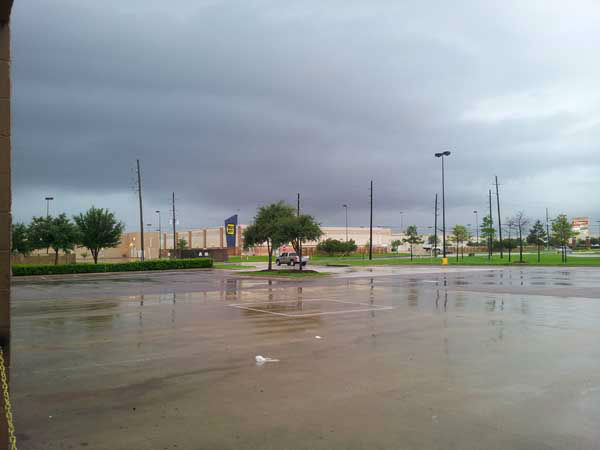 "<div class=""meta ""><span class=""caption-text "">ABC13 viewers sent in their weather pictures from Thursday's storms. If you have photos and videos to share, you can email news@abc13.com or upload them here: http://iwitness.abc13.com/ (KTRK Photo)</span></div>"