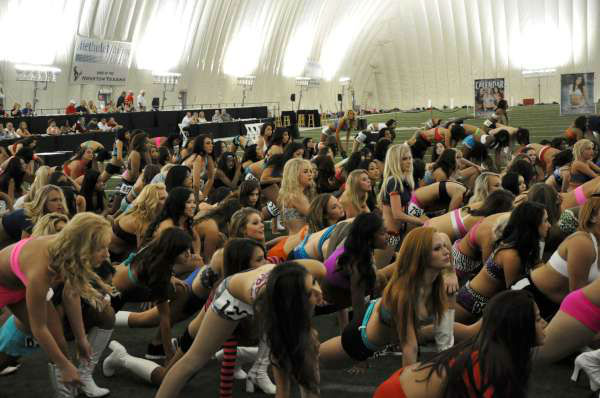 "<div class=""meta ""><span class=""caption-text "">Hundreds of Houston Texans cheerleader hopefuls, including one male, danced for the judges to make the squad (KTRK Photo)</span></div>"