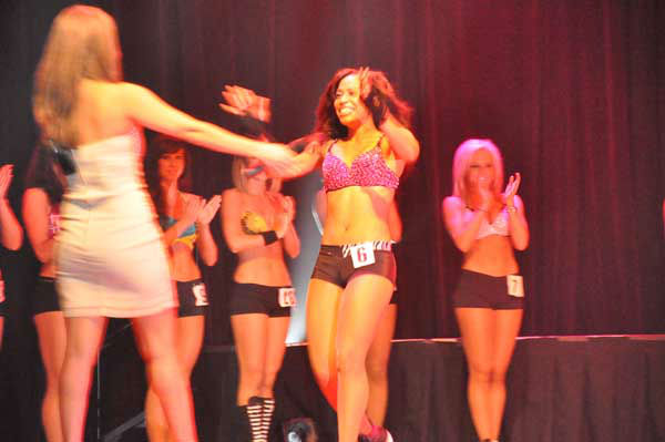 Rockets Power Dancer finalists had one last opportunity to impress the judging panel during a public audition at House of Blues before the team was selected. <span class=meta>(KTRK Photo)</span>