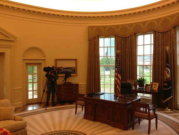 Replica of Oval Office at George W. Bush Presidential Center. There&#39;s a &#34;Texas&#34; Rose Garden right outside. <span class=meta>(ABC13&#47;Tom Abrahams)</span>