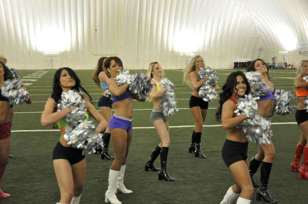 The Houston Texans Cheerleader finalists fine-tuned their dance moves in advance of Thursday&#39;s NFL Draft Party performance <span class=meta>(KTRK Photo)</span>