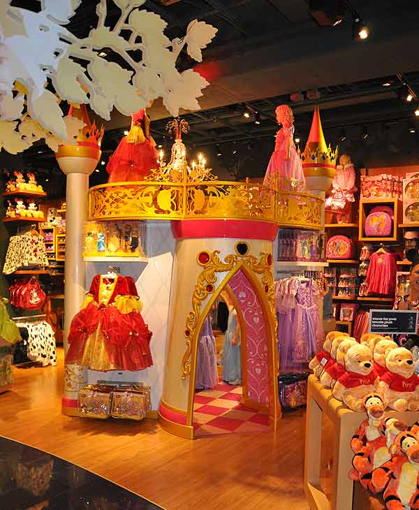 The Disney Store moved to its new digs in the Houston Galleria on Wednesday.  Disney is the parent company of KTRK-TV.
