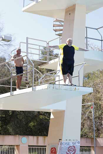 "<div class=""meta ""><span class=""caption-text "">SPLASH - ""Splash"" marks the first time 10 celebrities will train and compete in regulation platform and springboard diving at dizzying heights in front of a weekly poolside audience. Leading up to the competition, the world's most decorated and medaled diving legend, Greg Louganis, will give each celebrity weeks of training. Each dive will be critiqued by the judges, London Olympic U.S. Gold medalist David Boudia and Australian Olympic athlete and USA Dive Team director Steve Foley. ""Splash"" premieres TUESDAY, MARCH 19 (8:00-9:00 p.m., ET) on The ABC Television Network. (ABC/Kelsey McNeal) GREG LOUGANIS, LOUIE ANDERSON (Photo/Kelsey McNeal)</span></div>"