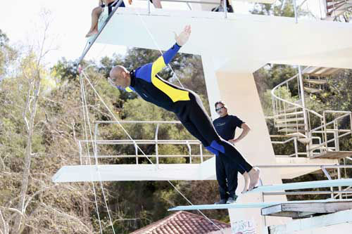 "<div class=""meta ""><span class=""caption-text "">SPLASH - ""Splash"" marks the first time 10 celebrities will train and compete in regulation platform and springboard diving at dizzying heights in front of a weekly poolside audience. Leading up to the competition, the world's most decorated and medaled diving legend, Greg Louganis, will give each celebrity weeks of training. Each dive will be critiqued by the judges, London Olympic U.S. Gold medalist David Boudia and Australian Olympic athlete and USA Dive Team director Steve Foley. ""Splash"" premieres TUESDAY, MARCH 19 (8:00-9:00 p.m., ET) on The ABC Television Network. (ABC/Kelsey McNeal) KAREEM ABDUL-JABBAR (Photo/Kelsey McNeal)</span></div>"