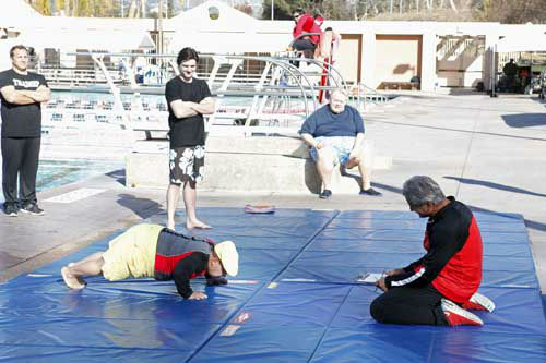 "<div class=""meta image-caption""><div class=""origin-logo origin-image ""><span></span></div><span class=""caption-text"">SPLASH - ""Splash"" marks the first time 10 celebrities will train and compete in regulation platform and springboard diving at dizzying heights in front of a weekly poolside audience. Leading up to the competition, the world's most decorated and medaled diving legend, Greg Louganis, will give each celebrity weeks of training. Each dive will be critiqued by the judges, London Olympic U.S. Gold medalist David Boudia and Australian Olympic athlete and USA Dive Team director Steve Foley. ""Splash"" premieres TUESDAY, MARCH 19 (8:00-9:00 p.m., ET) on The ABC Television Network. (ABC/KELSEY MCNEAL) CHUY BRAVO, LOUIE ANDERSON, DRAKE BELL, GREG LOUGANIS (Photo/Kelsey McNeal)</span></div>"