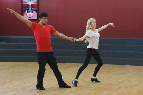 DANCING WITH THE STARS - REHEARSALS - This season&#39;s dynamic lineup of stars  will perform for the first time on live national television with their professional partners during the two-hour season premiere of &#34;Dancing with the Stars,&#34; MONDAY, MARCH 18 &#40;8:00-10:01 p.m., ET&#41; on the ABC Television Network. &#40;ABC&#47;Rick Rowell&#41; VICTOR ORTIZ, LINDSAY ARNOLD <span class=meta>(Photo&#47;Rick Rowell)</span>
